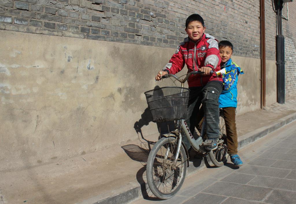 Bike street scene, Pingyao-1
